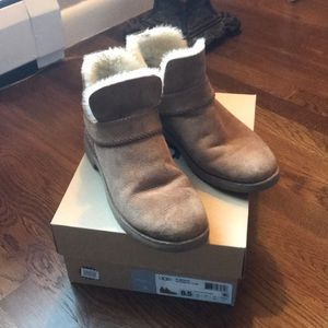 Ugg McKay booties Size 8.5 Chestnut color